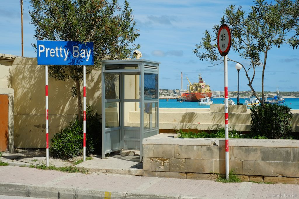 Pretty Bay sign