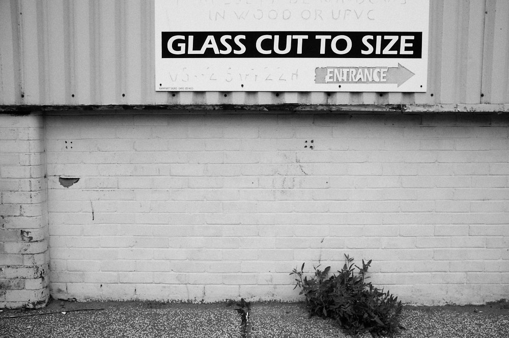 glass cut to size sign
