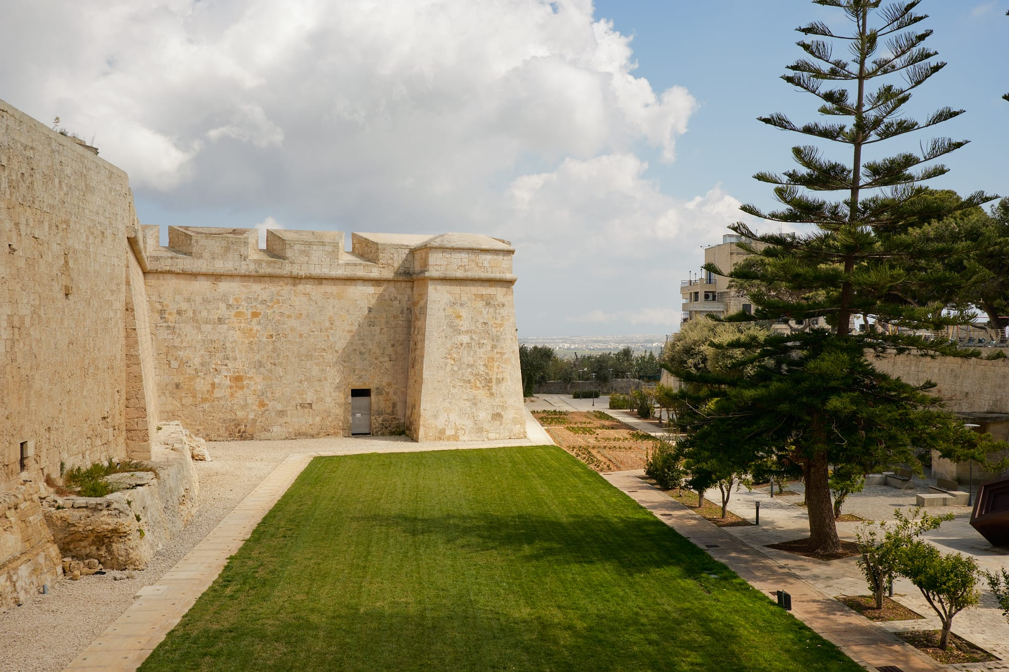 outer wall of Mdina